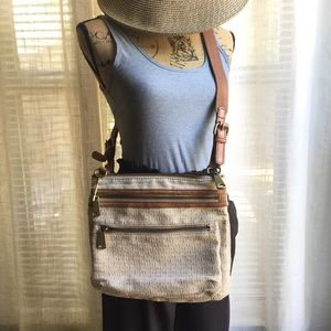Fossil tan crossbody purse 💞 larger size